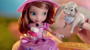 Sofia the First Tea Party Picnic Doll TV Spot, 'Cupcakes, Tea and Clover' - Thumbnail 6