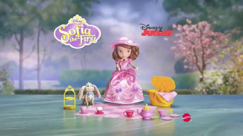 Sofia the First Tea Party Picnic Doll TV Spot, 'Cupcakes, Tea and Clover' - Thumbnail 9