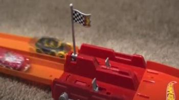 Hot Wheels Super Loop Chase Race TV Spot, 'Make Your Big Finish' - Thumbnail 7