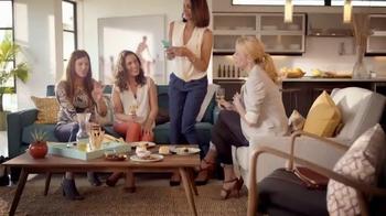 Bon Appétit Pizza TV Spot, 'Happy Hour' - Thumbnail 1