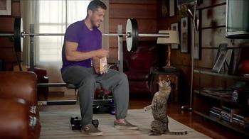 Meow Mix Irresistibles TV Spot, 'Lifting Weights' - Thumbnail 4