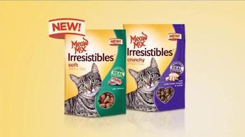 Meow Mix Irresistibles TV Spot, 'Lifting Weights' - Thumbnail 6