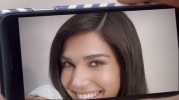 Clairol Root Touch-Up TV Spot, 'Shades in Minutes' - Thumbnail 4