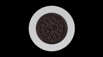 Oreo Thins TV Spot, 'Thinner' - Thumbnail 1