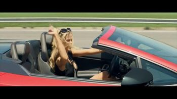 Infiniti QX60 TV Spot, 'Vacation' Featuring Christie Brinkley - Thumbnail 6