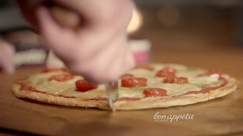 Bon Appétit Pizza TV Spot, 'Time for Each Other' - Thumbnail 5