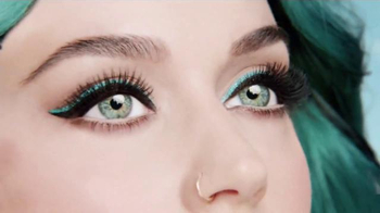CoverGirl Super Sizer Mascara TV Spot, 'Giant Katy Perry' - Thumbnail 4