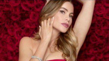 CoverGirl Stay Luminous Makeup TV Spot, 'Natural Glow' Feat. Sofia Vergara - Thumbnail 4
