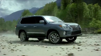 Lexus Golden Opportunity Sales Event TV Spot, 'Venture Further' - Thumbnail 5