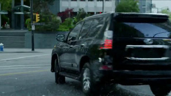 Lexus Golden Opportunity Sales Event TV Spot, 'Venture Further' - Thumbnail 7