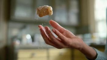 Pizza Hut Cheesy Bites TV Spot, 'Crust Flavors' - Thumbnail 2
