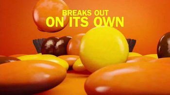 Reese's Pieces TV Spot, 'The Big Peanut Butter Taste' - Thumbnail 6