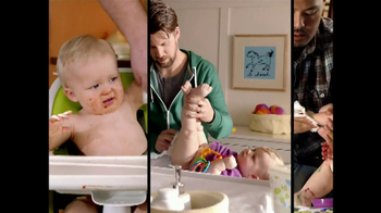 Huggies Natural Care Wipes TV Spot, 'Triple Clean' - Thumbnail 8