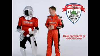 TaxSlayer.com TV Spot, 'Gator Bow Coin Toss' Featuring Dale Earnhardt Jr. - Thumbnail 9