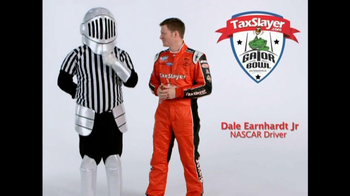 TaxSlayer.com TV Spot, 'Gator Bow Coin Toss' Featuring Dale Earnhardt Jr. - Thumbnail 4