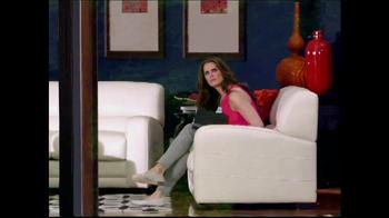 La-Z-Boy Year End Sale TV Spot, 'Spying' Featuring Brooke Shields - Thumbnail 4