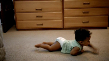Pampers Cruisers TV Spot, 'Crawling' - Thumbnail 2