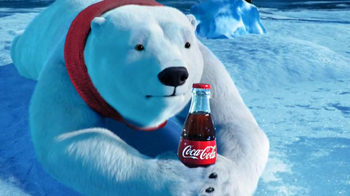 Coca-Cola TV Spot, 'Polar Bear Football' - Thumbnail 8