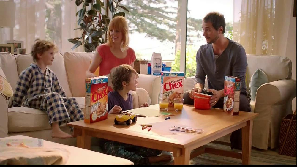 Chex TV Commercial, 'Fan Letter: The Harris Family'