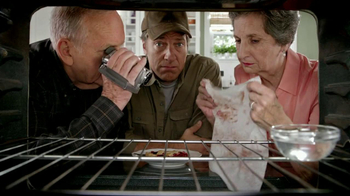 Viva Towels TV Spot, 'Viva Dare: Oven' Featuring Mike Rowe - Thumbnail 6