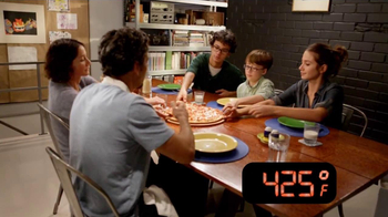 Papa Murphy's  Pizza $5 Faves TV Spot, 'A Little Hot, A Little Cold'