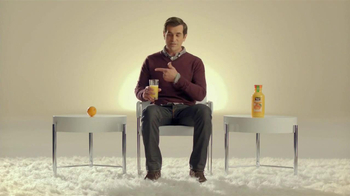 Minute Maid Pure Squeezed TV Spot, 'Role Reversal' Featuring Ty Burrell  - Thumbnail 6