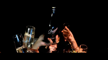 Zonin Prosecco TV Spot Featuring Francesco Zonin - Thumbnail 6