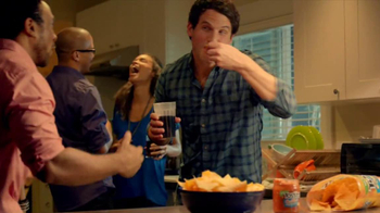 Tostitos Cantina Chips TV Spot, 'Uninvited Guests' - Thumbnail 1