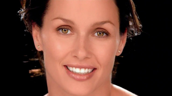Garnier Ultra-Lift Moisturizer TV Spot, \'Finally\' Feat. Bridget Moynahan