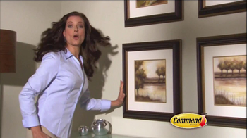 Command Picture Hanging Products TV Spot, 'Beautifully Decorated Walls' - Thumbnail 8