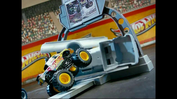 Hot Wheels Monster Jam Triple Blast Arena  TV Spot  - Thumbnail 8