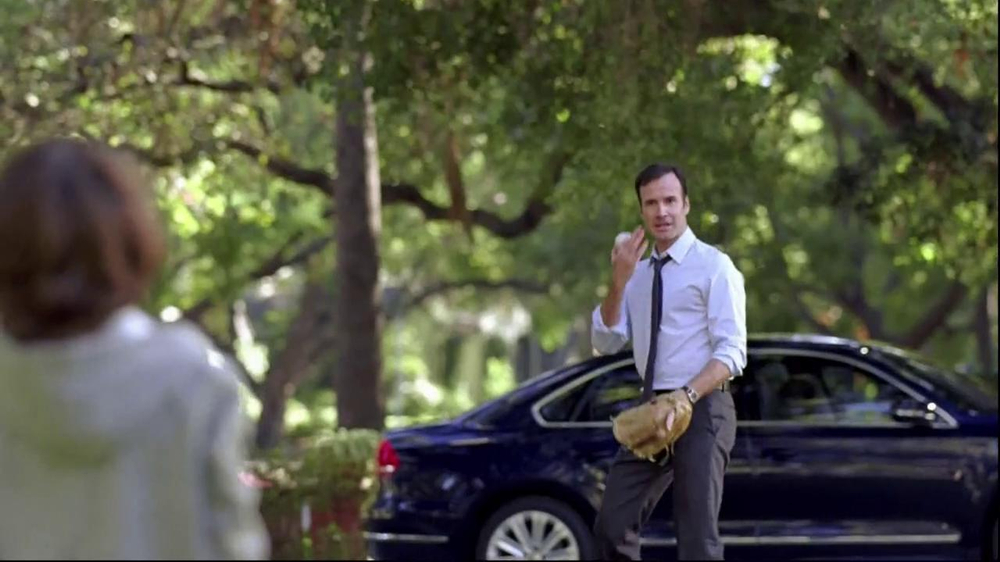 Volkswagen Passat TV Commercial, 'Playing Catch'