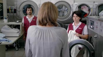 Febreze TV Spot, 'Laundromat' - Thumbnail 2