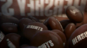 Hershey's Drops TV Spot, 'Chocolate Happiness' - Thumbnail 4