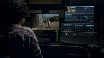 GEICO Emergency Roadside Assistance TV Spot, 'Another Take' - Thumbnail 6