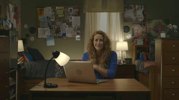 TaxSlayer.com TV Spot, 'Molly's Dorm Room' - Thumbnail 6