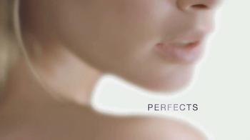 L'Oreal Magic BB Cream TV Spot, 'Bare Perfection' Featuring Doutzen Kroes - Thumbnail 9
