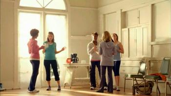 Folgers Classic Roast TV Spot, 'Dancing' - Thumbnail 9