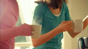 Folgers Classic Roast TV Spot, 'Dancing' - Thumbnail 7