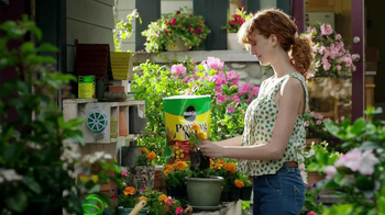 Miracle-Gro TV Spot, 'Crimes Against Potted Plantkind' - Thumbnail 3