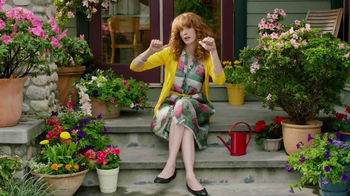 Miracle-Gro TV Spot, 'Crimes Against Potted Plantkind' - Thumbnail 8