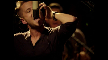 Save the Children TV Spot 'Every Beat' Song by One Republic - Thumbnail 8