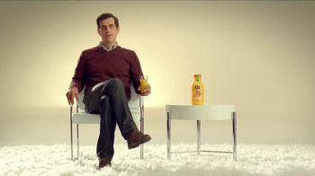 Minute Maid Pure Squeezed TV Spot, 'Cue Cards' Featuring Ty Burrell - Thumbnail 8