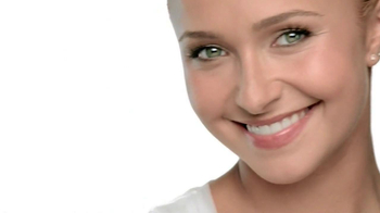 Neutrogena Cosmetics Shine Control Makeup TV Spot Featuring Hayden Panettie - Thumbnail 5