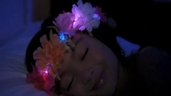Flashion Flowers TV Spot, 'Shine Bright' - Thumbnail 2