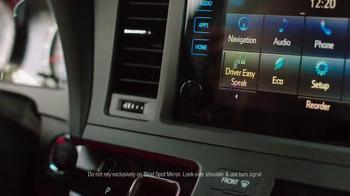 2015 Toyota Sienna TV Spot, 'Sienna Dive-In' - Thumbnail 3