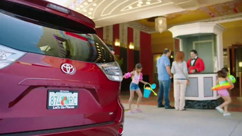 2015 Toyota Sienna TV Spot, 'Sienna Dive-In' - Thumbnail 7