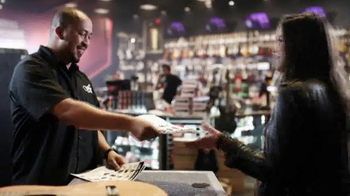 Guitar Center Presidents' Day Sale TV Spot, 'Your Tune' - Thumbnail 7