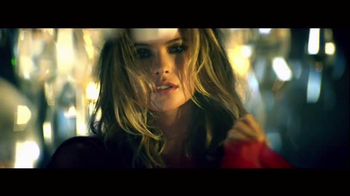 Victoria's Secret Super Bowl 2015 TV Spot, 'Valentine's' Song by Brenda Lee - Thumbnail 4