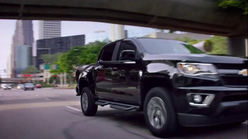 2015 Chevrolet Colorado Super Bowl 2015 Postgame TV Spot, 'Theme Song' - Thumbnail 9